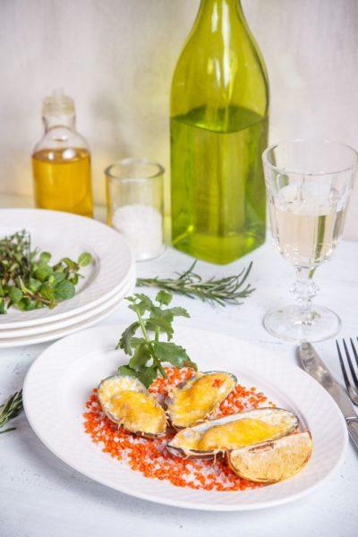Мидии новозеландские запеченные под сыром пармезан