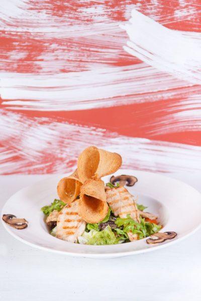 Салат прованский с курицей и грибами